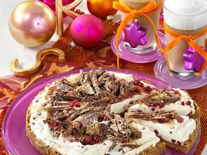 Spekulatius-Torte mit Preiselbeer-Sahne Rezept
