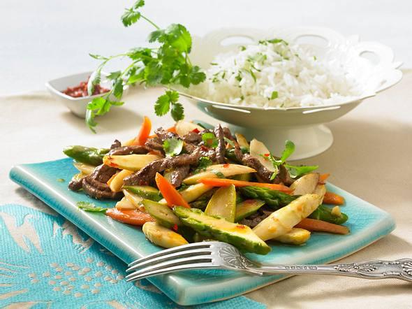 Spicy Asia-Spargel mit Beefsteakstreifen Rezept