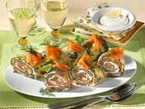 Spinat-Käse-Röllchen mit Lachs Rezept