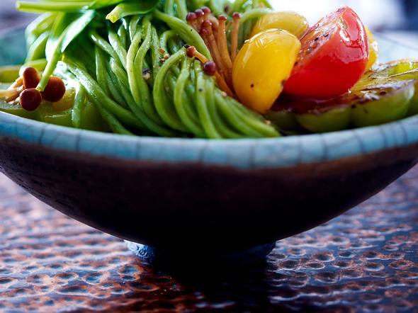 Spinat-Linguine mit bunten Tomaten und Pilzen Rezept