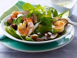 Spinatsalat mit Avocado und Garnelen Rezept