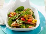 Spinatsalat mit Hähnchenfilet Rezept