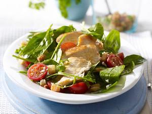 Spinatsalat zu Hähnchenfilet Rezept