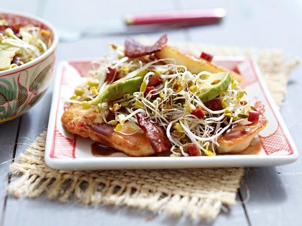 Sprossensalat mit Chorizo-Vinaigrette und Halloumi-Käse Rezept