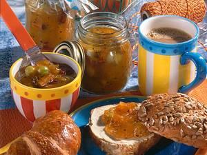 Stachelbeer-Aprikosen-Konfitüre mit Zimt Rezept