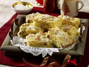 Stollen-Butterkuchen mit Marzipan Rezept