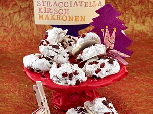 Stracciatella-Kirsch-Makronen Rezept