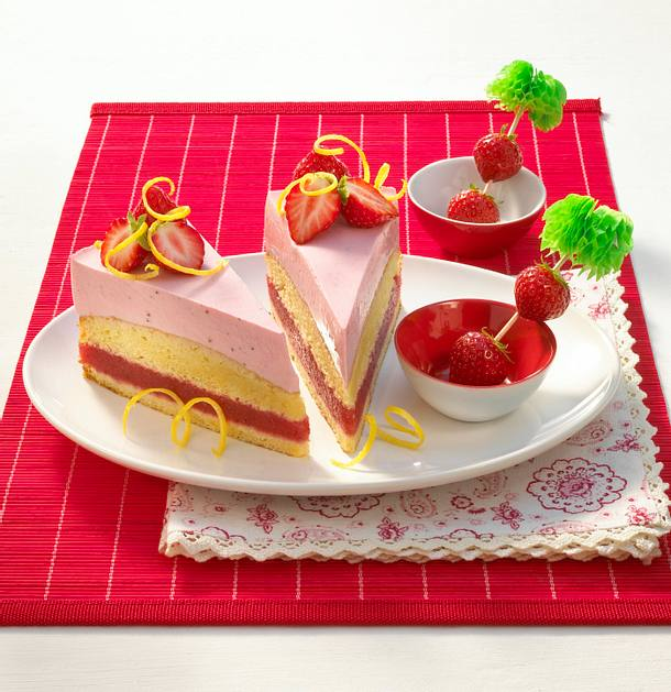 strawberry margarita torte rezept lecker. Black Bedroom Furniture Sets. Home Design Ideas