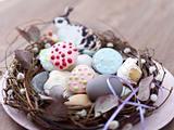 Süße Eierlikör-Muffins im Nest Rezept