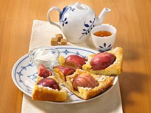 Süßer Apfel-Möhren-Butterkuchen Rezept