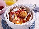 Süßer Brötchen-Auflauf mit Lemon Curd und Granatapfelkernen Rezept