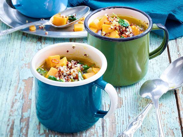 Süßkartoffel-Suppe mit Quinoa und Spinat Rezept