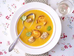 Süßkartoffelsuppe mit Sesamhähnchen Rezept