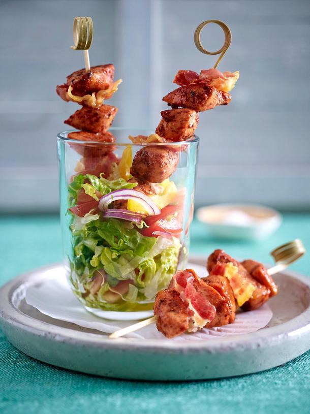 tandoori h hnchen bacon spie chen auf gehacktem salat. Black Bedroom Furniture Sets. Home Design Ideas
