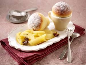Tassenbuchteln mit karamellisierten Apfelspalten (Johann Lafer für Tina) Rezept