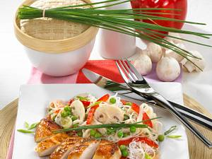 Teriyaki-Filets zu Glasnudelsalat Rezept