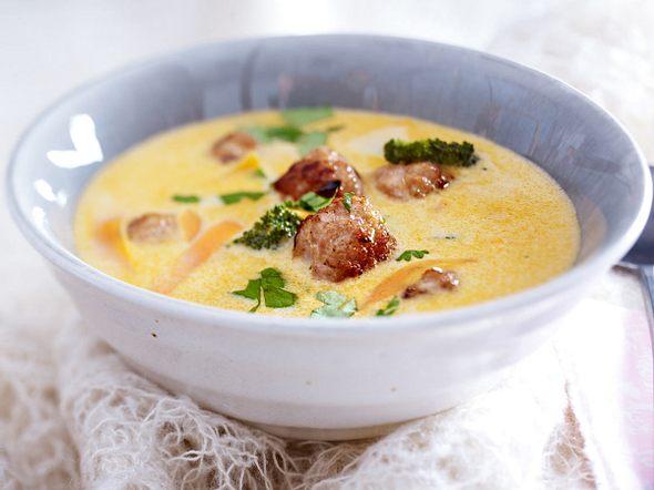 Thai-Currysuppe mit Ingwer-Mettbällchen Rezept