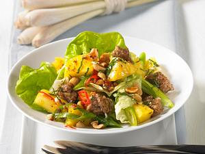 Thai-Salat mit Hack & Zitronengras Rezept