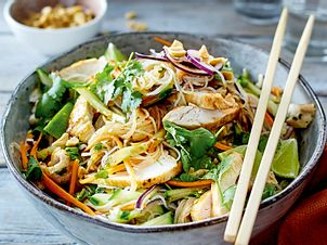 Thaisalat mit Hähnchen Rezept