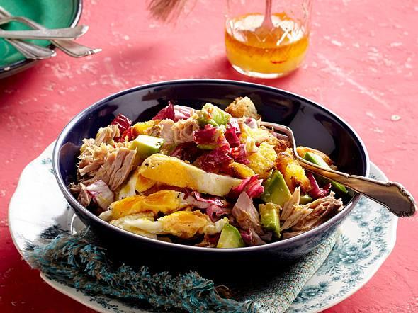Thunfisch-Spiegeleier-Salat mit Avocado Rezept