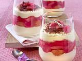 Tiramisu mit Rhabarber im Glas Rezept