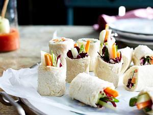 Toast-Sushi mit Gemüse und Wasabi-Sour-Cream Rezept