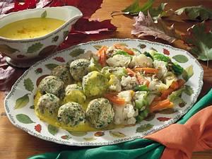 Tofuklößchen mit Currysoße und Gemüse Rezept