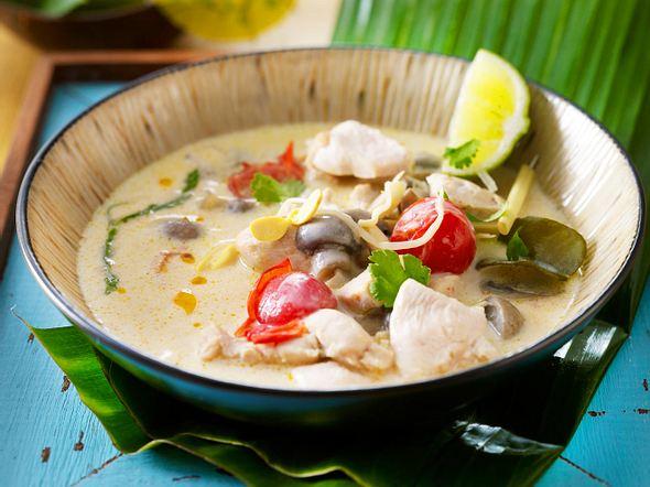 Tom Khaa Gai (Hühnersuppe mit Kokosmilch) Rezept
