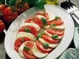 Tomate mit Mozzarella und Basilikum Rezept