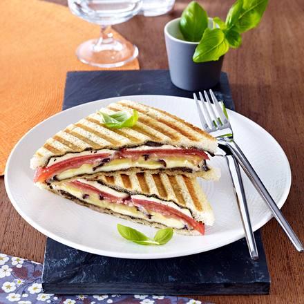 Tomaten-Aubergine Sandwich Rezept