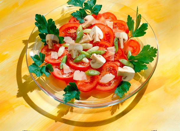 tomaten champignon salat rezept lecker. Black Bedroom Furniture Sets. Home Design Ideas