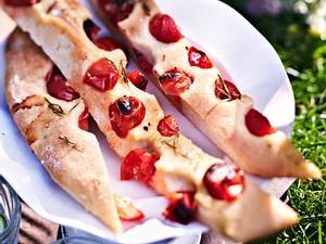 Tomaten-Focaccia aus Kirsch- und krausen Tomaten Rezept