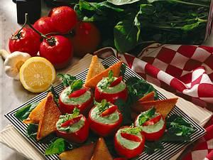 Tomaten mit Rauke- Quarkfüllung Rezept
