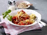 Tomaten-Möhren-Nudelsoße mit Sonnenblumenkernen Rezept