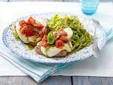 Tomaten-Mozzarella-Schnitzel mit Pesto-Spaghetti Rezept