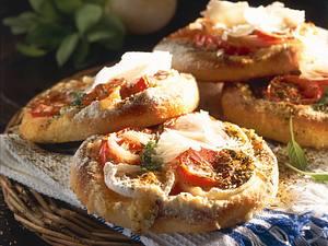 Tomaten-Zwiebel-Küchlein Rezept