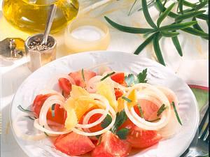 Tomaten-Zwiebel-Salat mit Gouda Rezept
