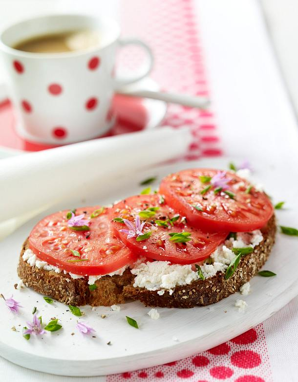 tomatenbrot mit ricotta rezept lecker. Black Bedroom Furniture Sets. Home Design Ideas