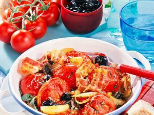 Tomatenpfanne mit Speck und Oliven Rezept