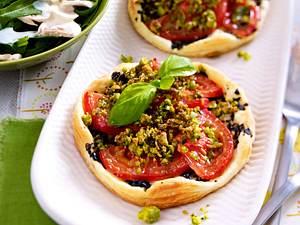 Tomatentörtchen mit Tapenade