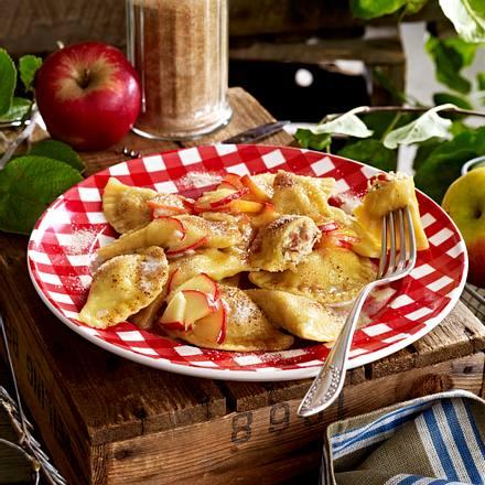 Topfen-Schlutzkrapfen mit Äpfeln Rezept
