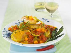 Tortellini in pikanter Tomatensoße Rezept