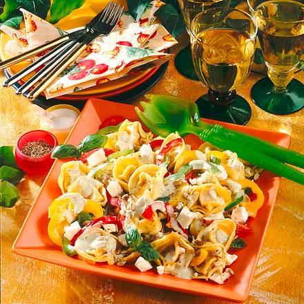 tortellini salat rezept lecker. Black Bedroom Furniture Sets. Home Design Ideas
