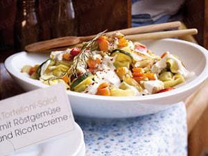 Tortelloni-Salat mit Röstgemüse und Ricottacreme Rezept