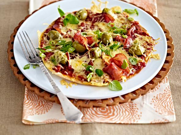 Turbo-Tortillapizza mit Salami Rezept