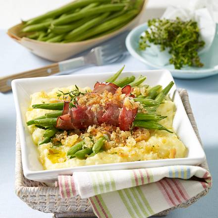 Überbackene Bohnenpäckchen in Kartoffelpüree-Bett Rezept