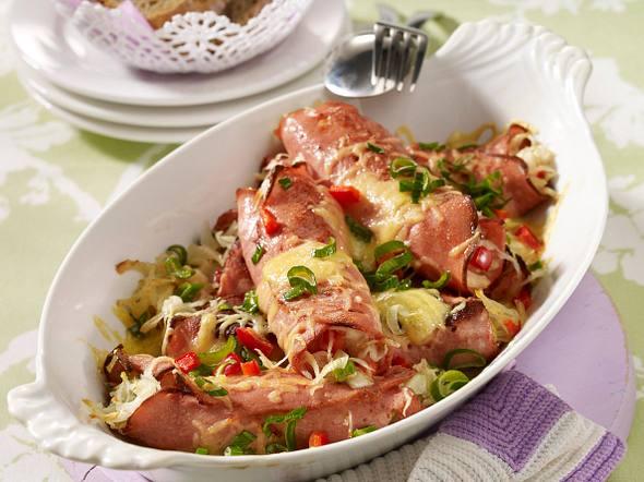 Überbackene Fleischkäseröllchen mit Weißkrautsalat Rezept