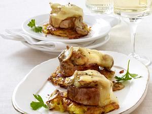 Überbackene Schweinemedaillons auf Schweizer Röstitaler Rezept