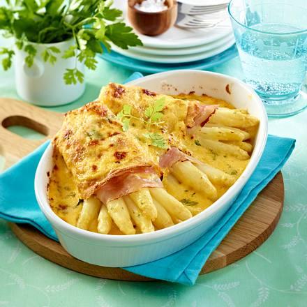 Überbackene Spargel-Crespelle mit Käse-Kräuter-Hollandaise Rezept
