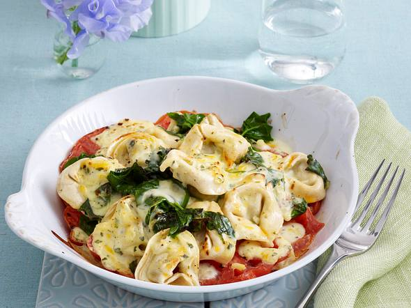 Überbackene Tortelloni mit Spinat Rezept